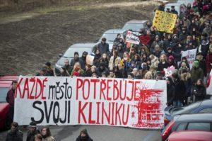 Protest in support of Klinika Source: Clovekvtisni.Cz