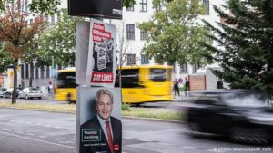 Election posters in Berlin Copyright: picture-alliance/dpa/W. Kastl.
