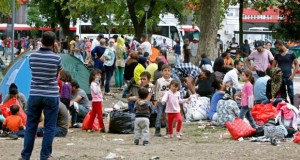 Migrants in a park next to the main railway and bus station in the centre of Belgrade in Serbia (source: Irish Times)